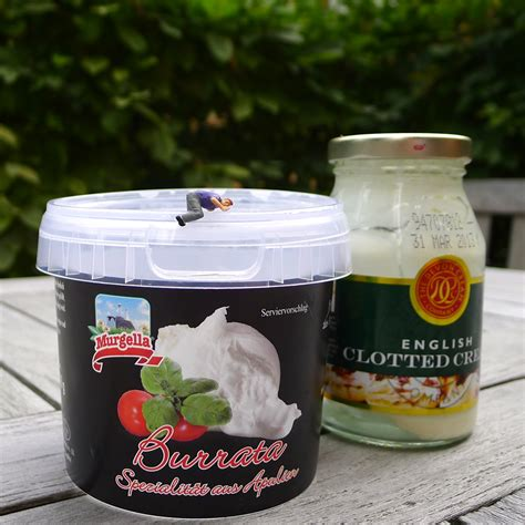 Tomaten, Burrata und Clotted Cream