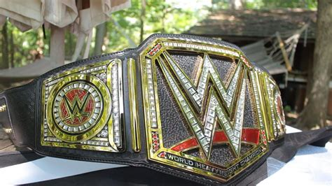 WWE WORLD HEAVYWEIGHT CHAMPIONSHIP COMMEMORATIVE BELT