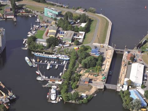 Hamburg Yachtzentrum-Harburg | Sejlerens Marina Guide