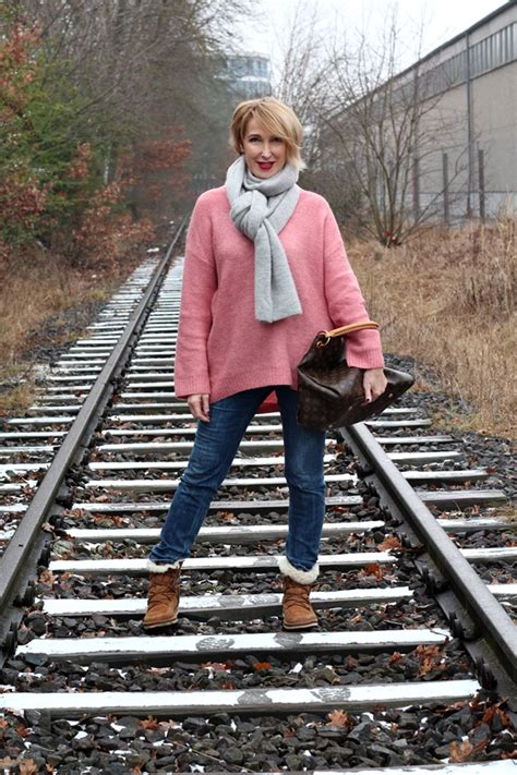 Winter-Outfit: Oversize -Pullover und Ugg Boots - Glam up
