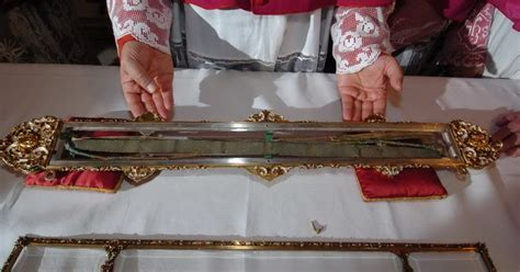New Liturgical Movement: The Holy Belt of the Virgin, a
