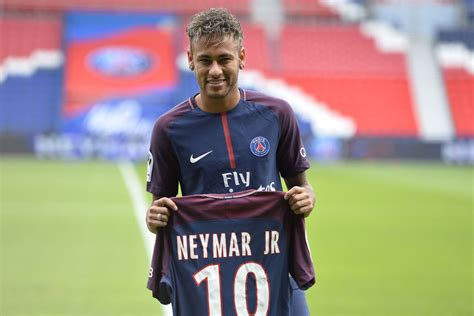 What is Barcelona looking to do now that Neymar is at PSG?