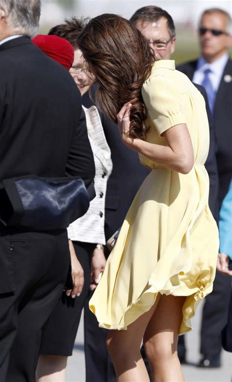 Kate Middleton: Yellow Dress Plus Wind Equals (Almost) a