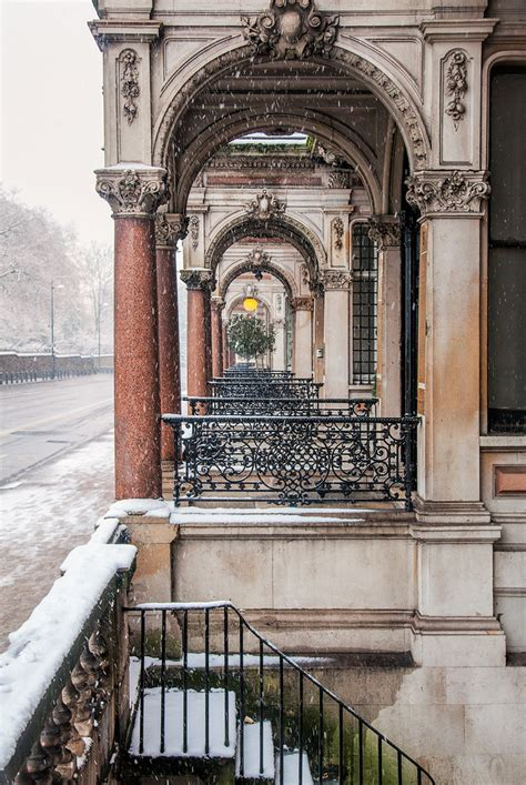 London - Victorian Homes | Victorian homes line a snow