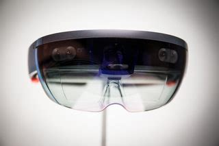 Microsoft HoloLens 2: What's going on with the second-gen